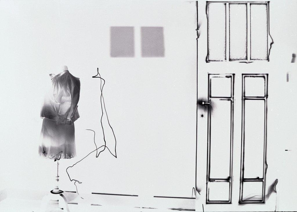 Fotografie-Nachtschatten-Lichtzeichnung-Bruessel-Dachboden-1996.jpg